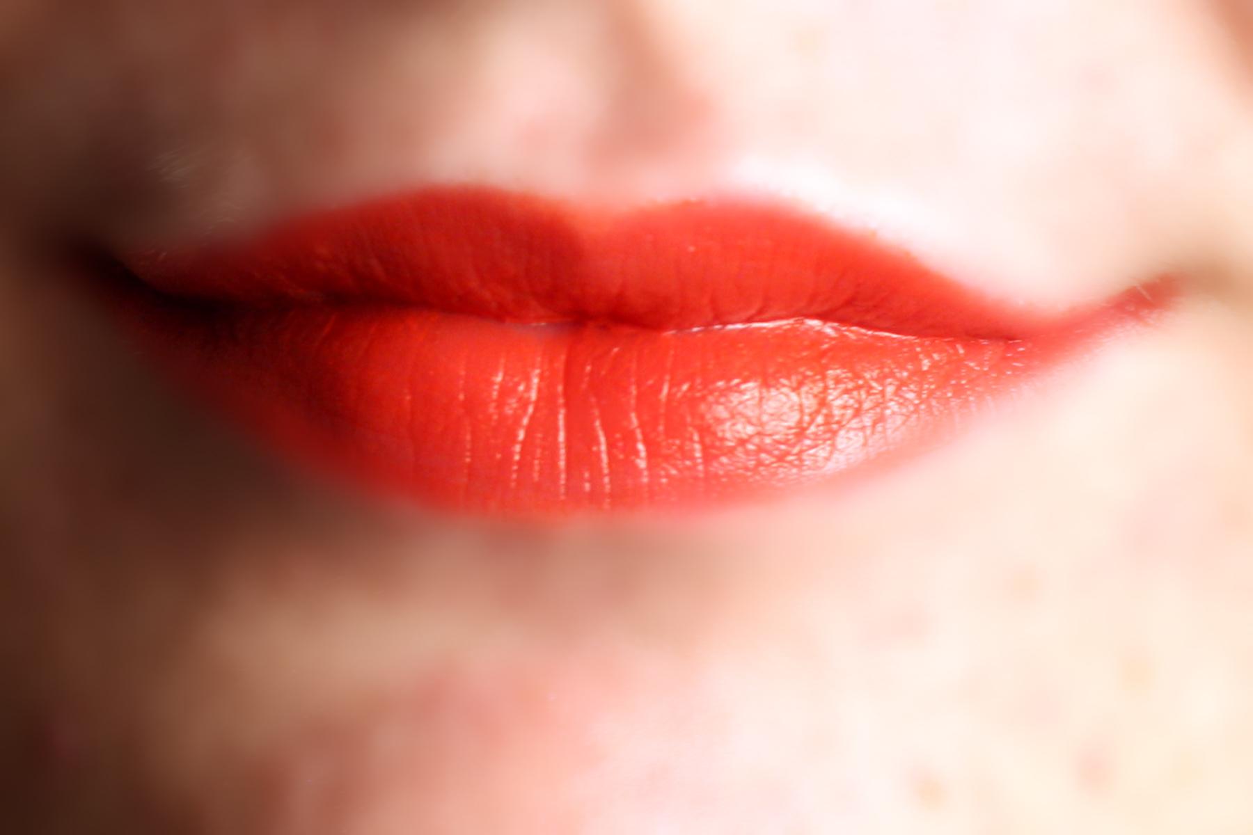 Cara membuat bibir merah, bibir sexy, bibir merah merona, bibr, menghaluskan bibir, tips membuat bibir merah