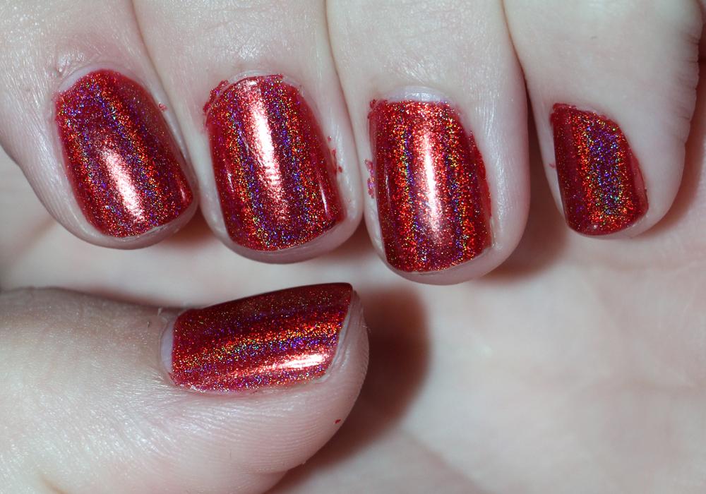 Jade Holografico Vermelho Surreal Nail Polish Swatch