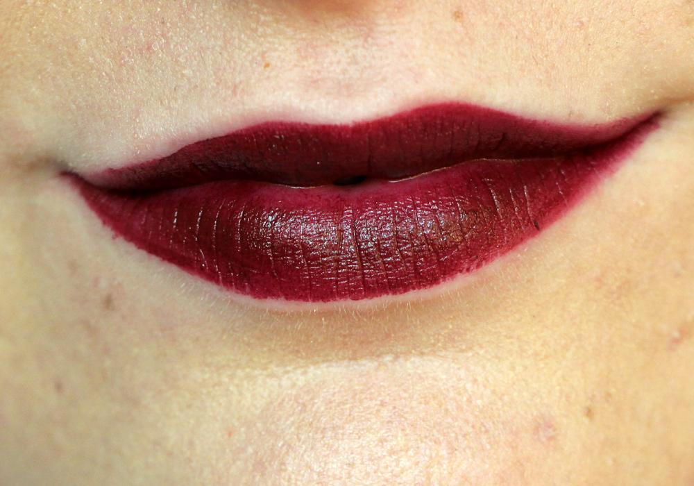 Wet n Wild Megalast Lipstick Cherry Bomb Swatch (2)