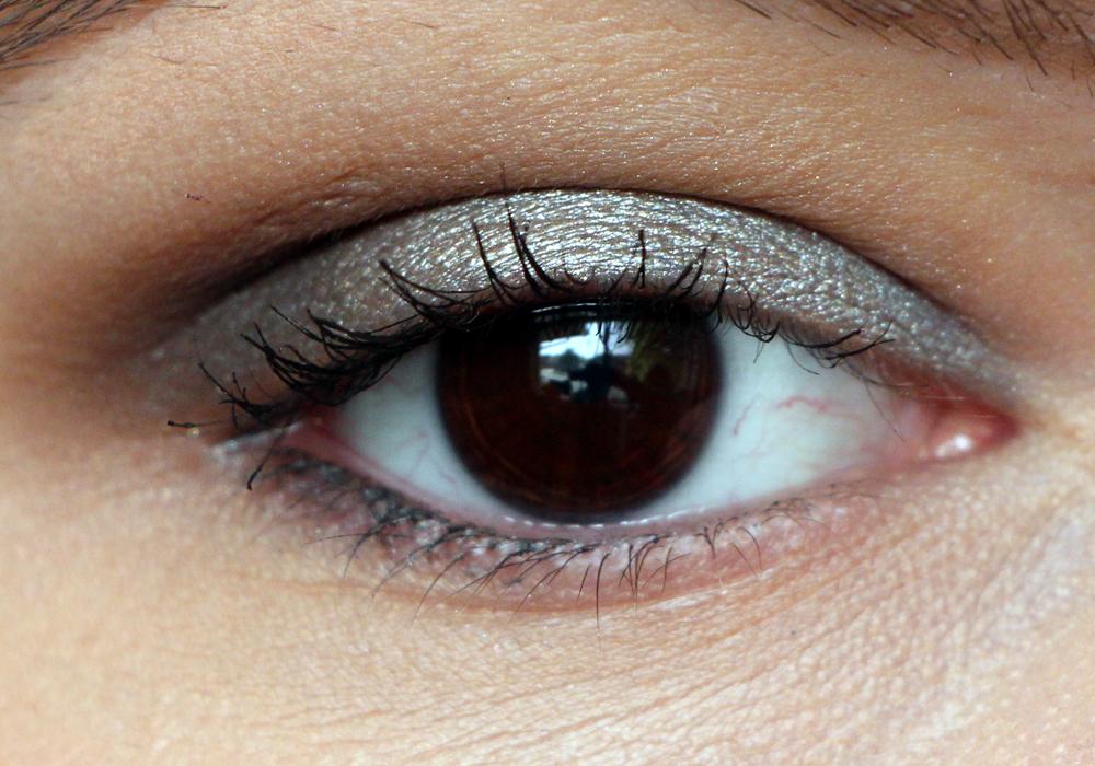 Jouer Creme Eyeshadow Crayon Avant Garde Swatch (2)