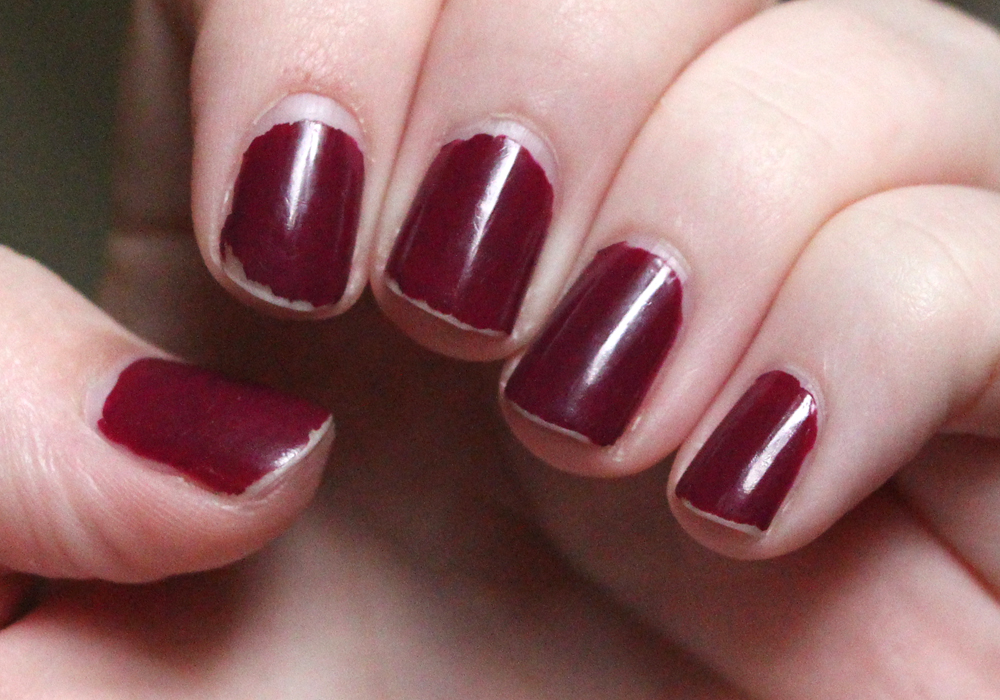 Covergirl Outlast Stay Brilliant Nail Gloss Polish in Crushed Berries Day 5 Swatch