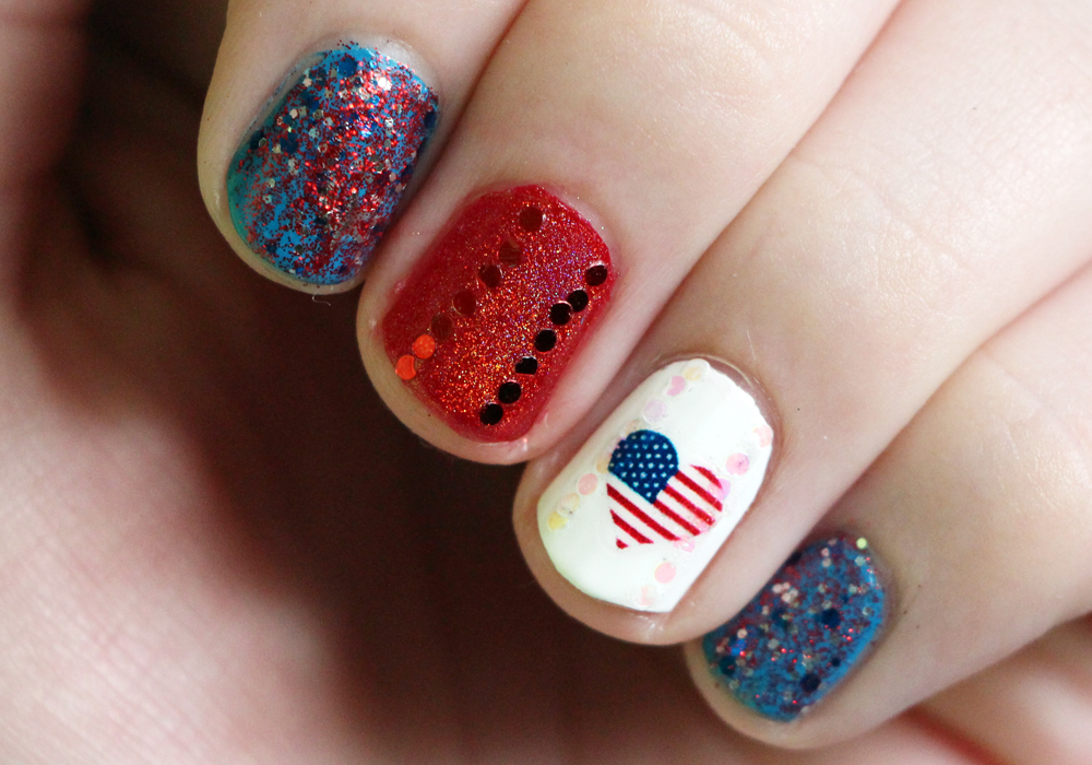 4th of July Nail Art- AndreasChoice Circus Reverso, OPI Big Apple Red, Julep Annie America, Jade Holografico,Glitter, Water Decal (2)
