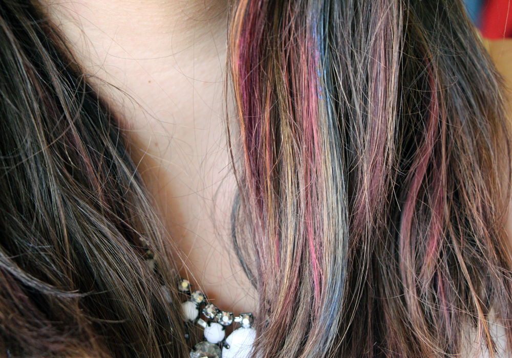 How To Use Hair Chalk- TINT by Fine Featherheads (Party Pink, Silver Lining, Iris) Review Tutorial (2)