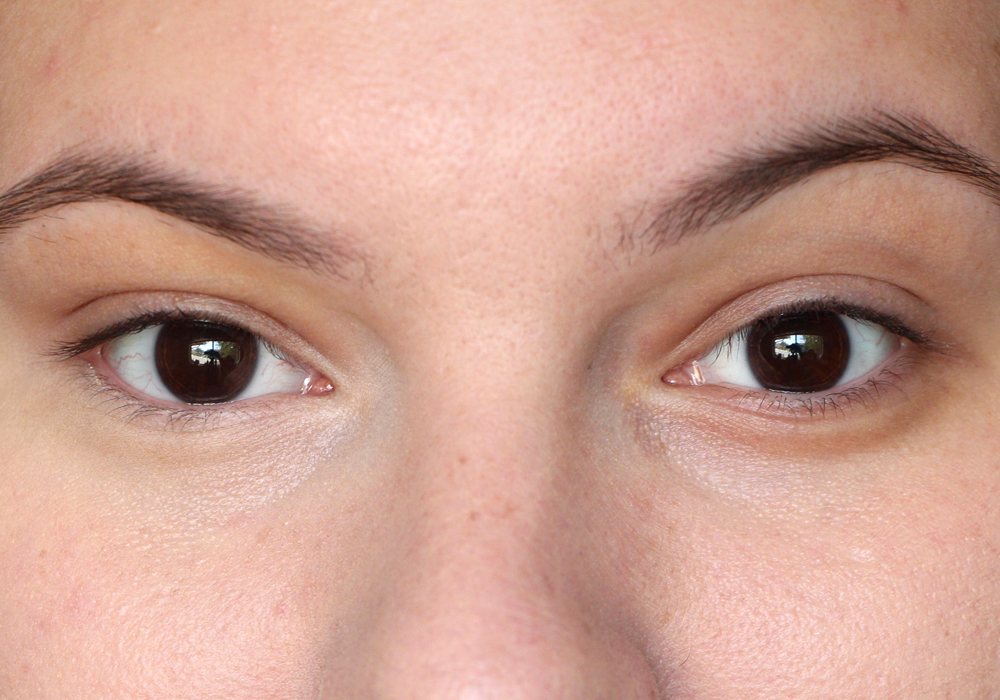 Temptu Undereye Concealer in Fair Review Swatch Before and After