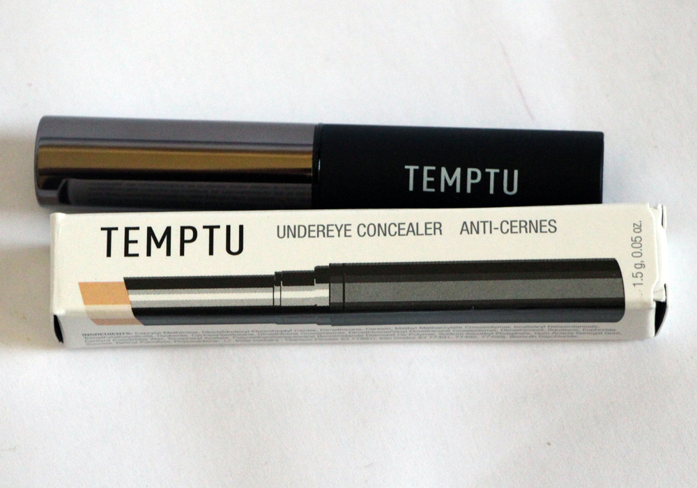 Temptu Undereye Concealer in Fair Review