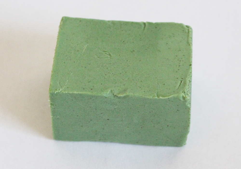 LUSH Cosmetics Parsley Porridge Soap Review