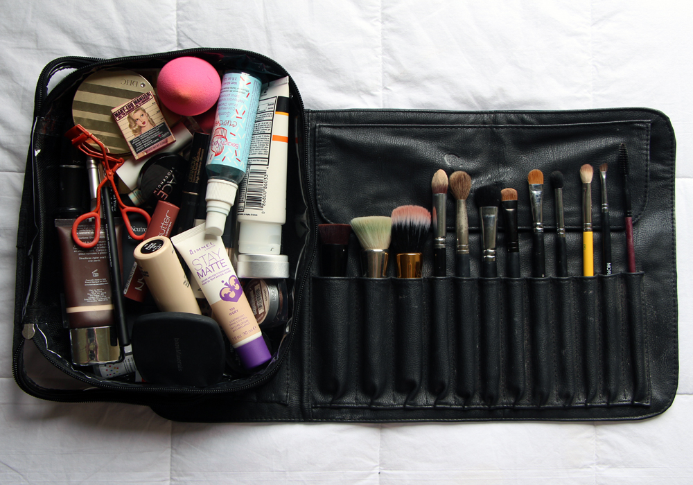 What's In My Travel Makeup Bag Brush Roll Zuca Utility Pouch Sigma Face Cheeks Eyes Lips