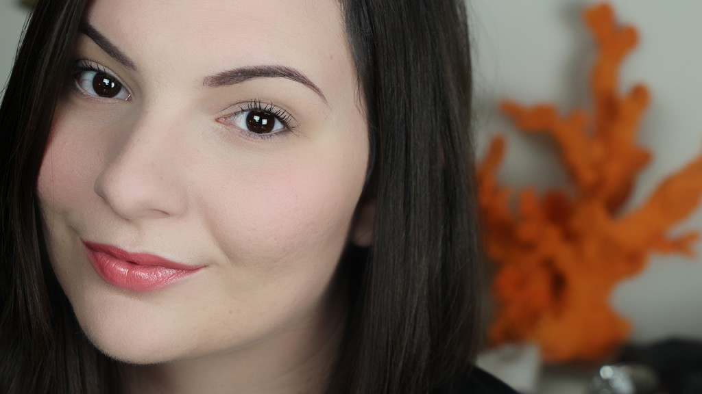 3 Beauty Hacks Tarte Cosmetics Tutorial Amazonian Clay Foundation Lights Camera Flashes Mascara Amazonian Butter Lipstick in Coral Blossom Amazonian Clay Blush in Tipsy