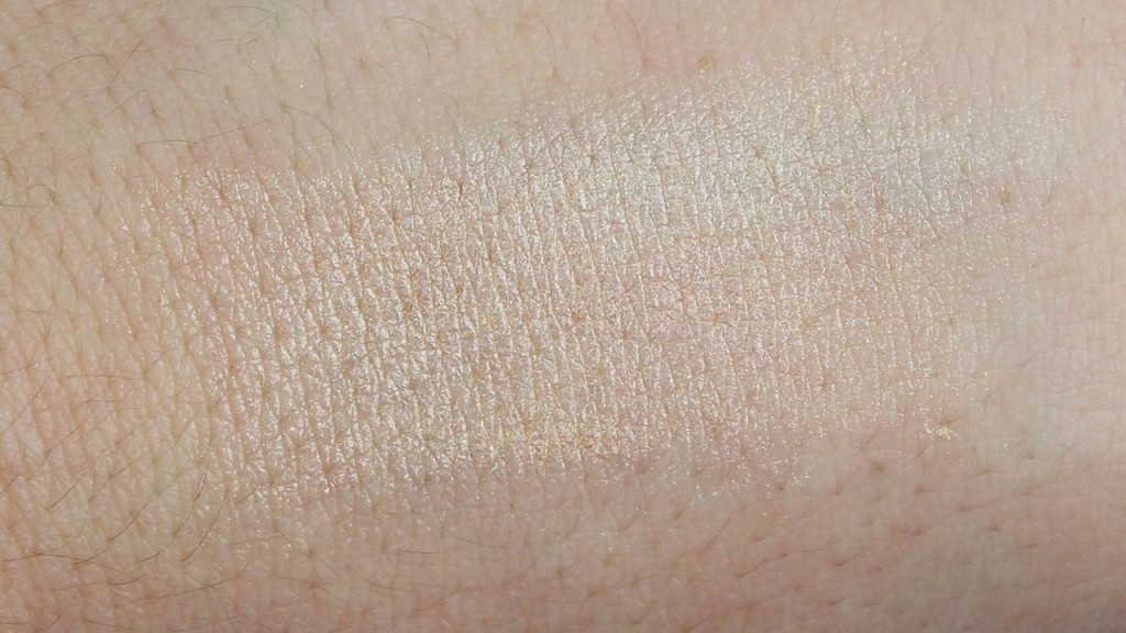 BECCA Cosmetics Shimmering Skin Perfector Pressed in Moonstone Swatch