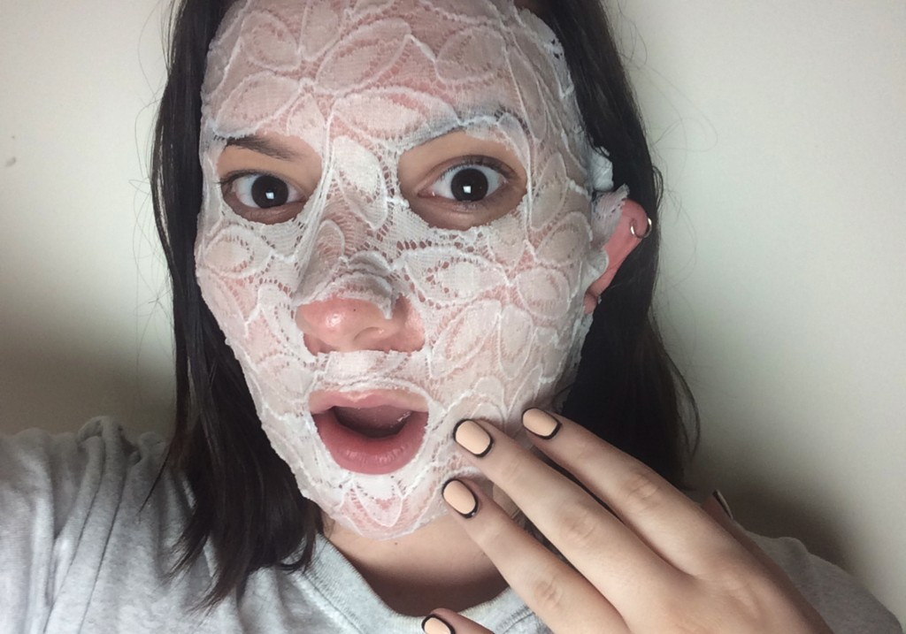 Dermovia Lace Your Face LaceTex Calming Chamomile Sheet Face Mask Review 2