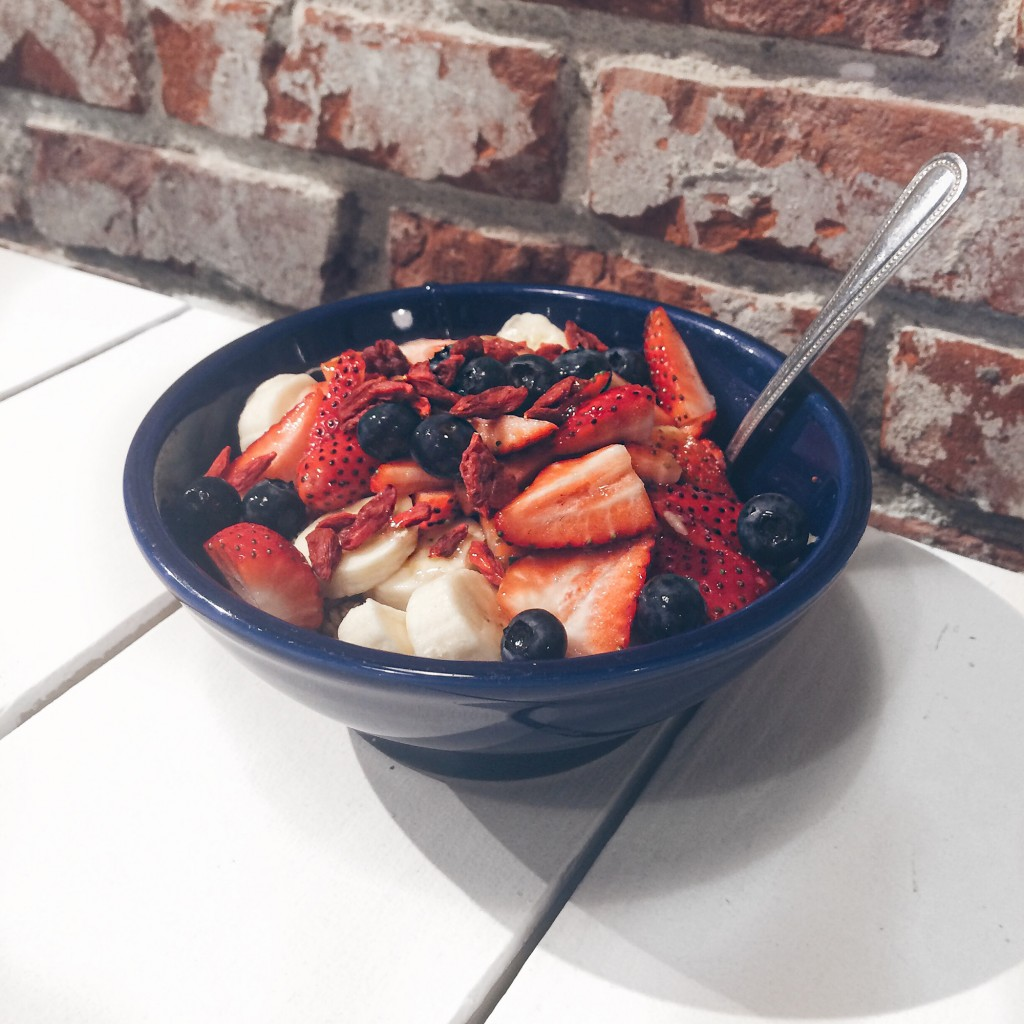 trendy açai bowls at backyard bowls in west hollywood